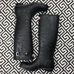 •HUNTER•black embossed animal leather boot 8 tall